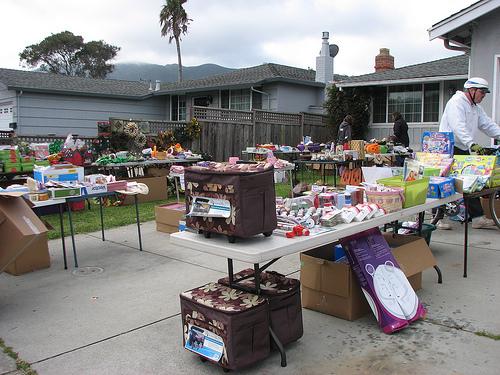 4H garage sale 2010