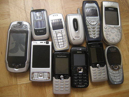 Lot of mobile phones + accessories (FREE)