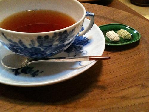 Earl Grey tea at Ykei Salon de Th on Aneya-koij dori in Kyoto